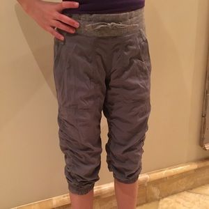 Ivivva girls crop pants sz 8